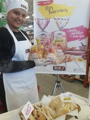 Degustação dos pães funcionais realizada nos principais supermercados do Vale do Ribeira