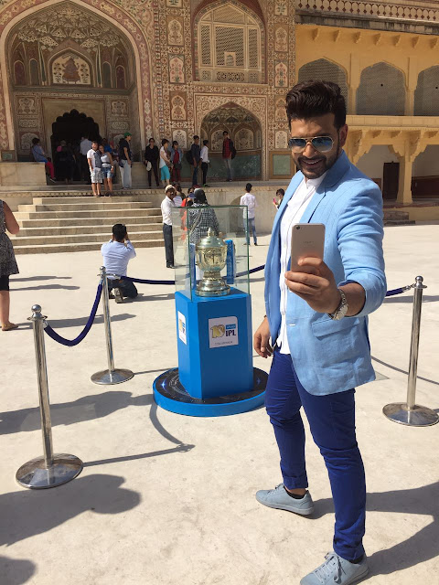 Pink city left spellbound by the VIVOIPL 2017 Trophy