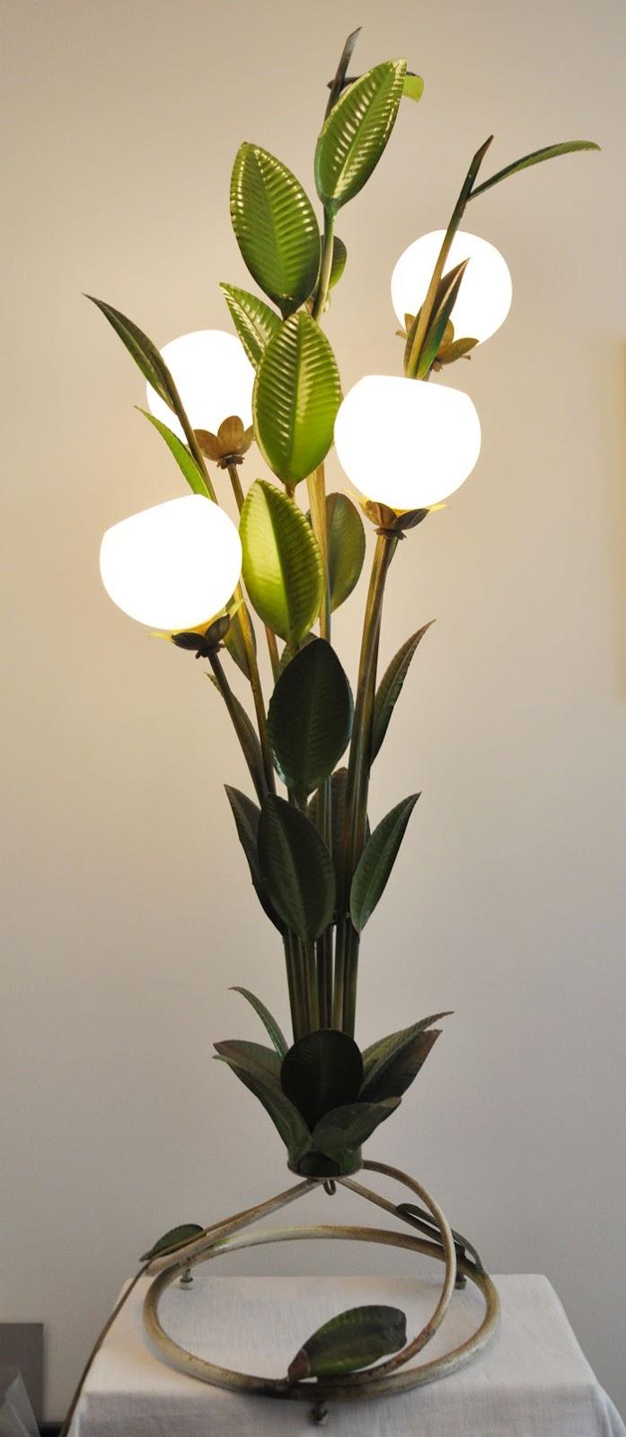 lampe pour plante. Black Bedroom Furniture Sets. Home Design Ideas