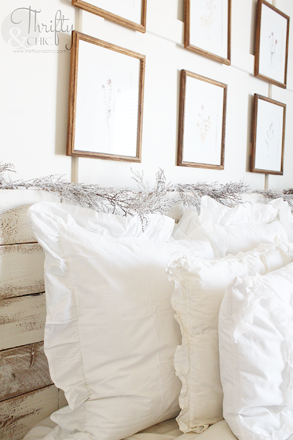 7 ways to cozy up your bedroom. How to make your bedroom cozy. Bedroom decor and decorating ideas.