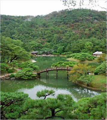 สวนริตสึริน (Ritsurin Garden)