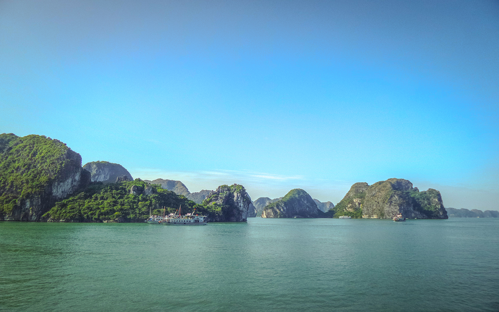 Ha long bay river tour