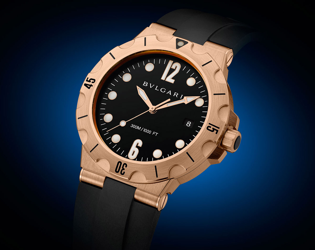 7f233a7cad5 The new Diagono Scuba is available in four versions  steel with rubber  strap or steel bracelet and black dial