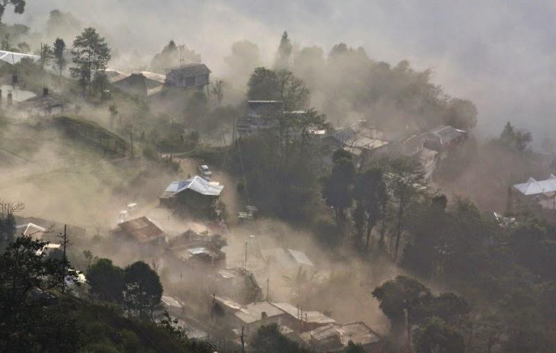 foggy-scenery-photo-10