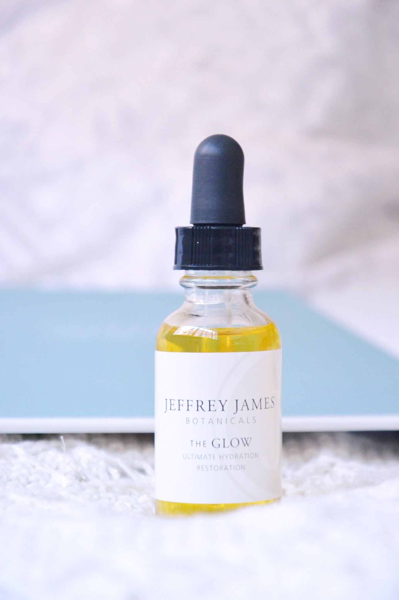 Aceite-The-Glow-Jeffrey-James