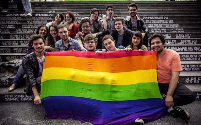os movimentos gays na universidade mackenzie