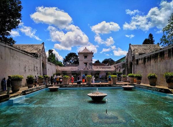 tempat wisata dekat malioboro taman sari yogyakarta
