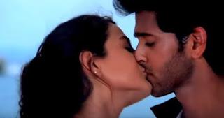 Amisha Patel And Hrithik Roshan Lip Kiss From Kaho Na Pyaar Hai