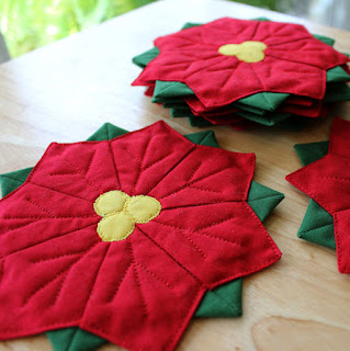 Dresden-Plate-Flower-QuiltFabrication-Poinsettia-Coasters