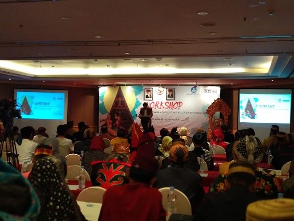 Suku Seni Riau Menerima Bantuan Pemerintah FKBM 2019.