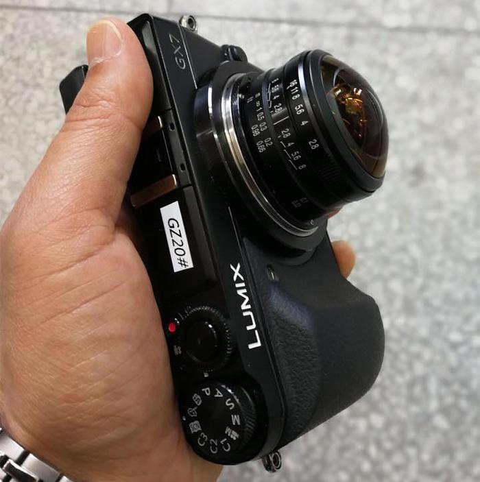 Объектив Laowa 4mm f/2.8 с камерой Panasonic Lumix GX7