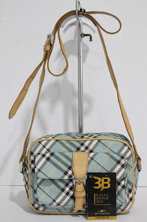 BUNDLEBARANGBAEK  BURBERRY Blue Label Sling Bag. d701d85f987a1