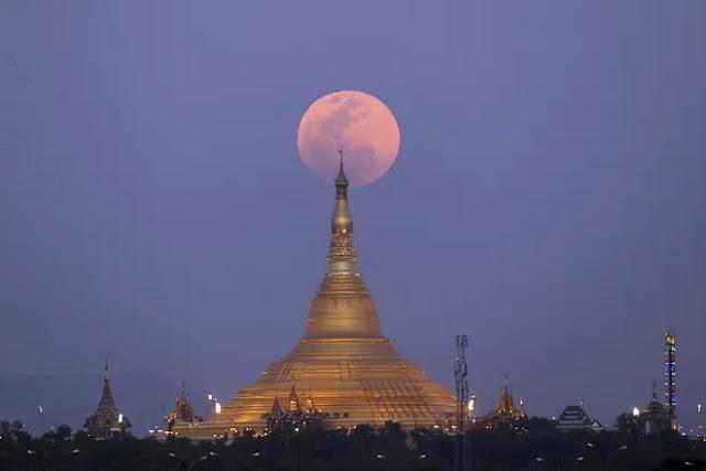 Eclipse Lunar Total de 31 de janeiro de 2018 - Naypyitaw, Myanmar, Aung Shine Oo
