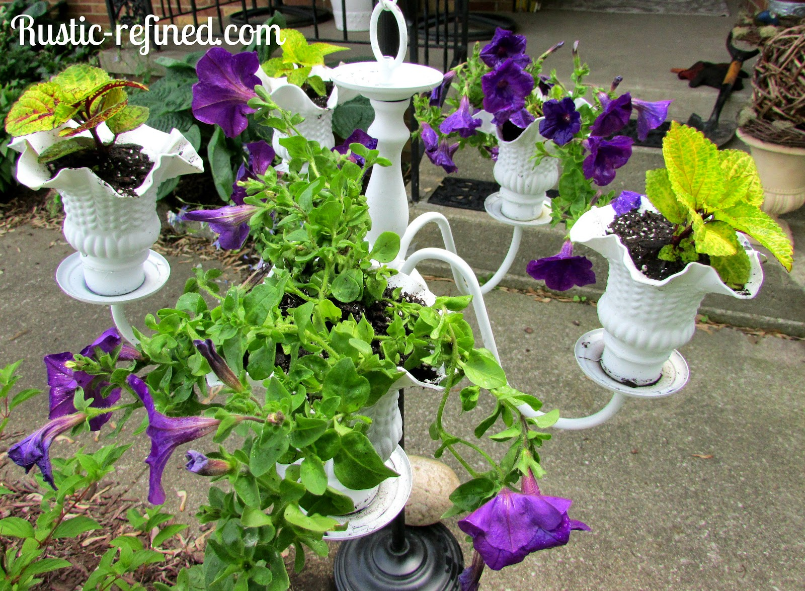 Garden Art - A Flower Chandelier @ Rustic-refined.com