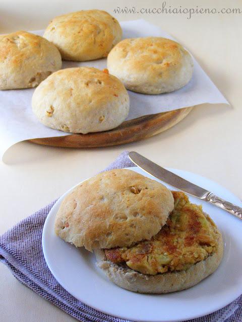 pão com gorgonzola e nozes