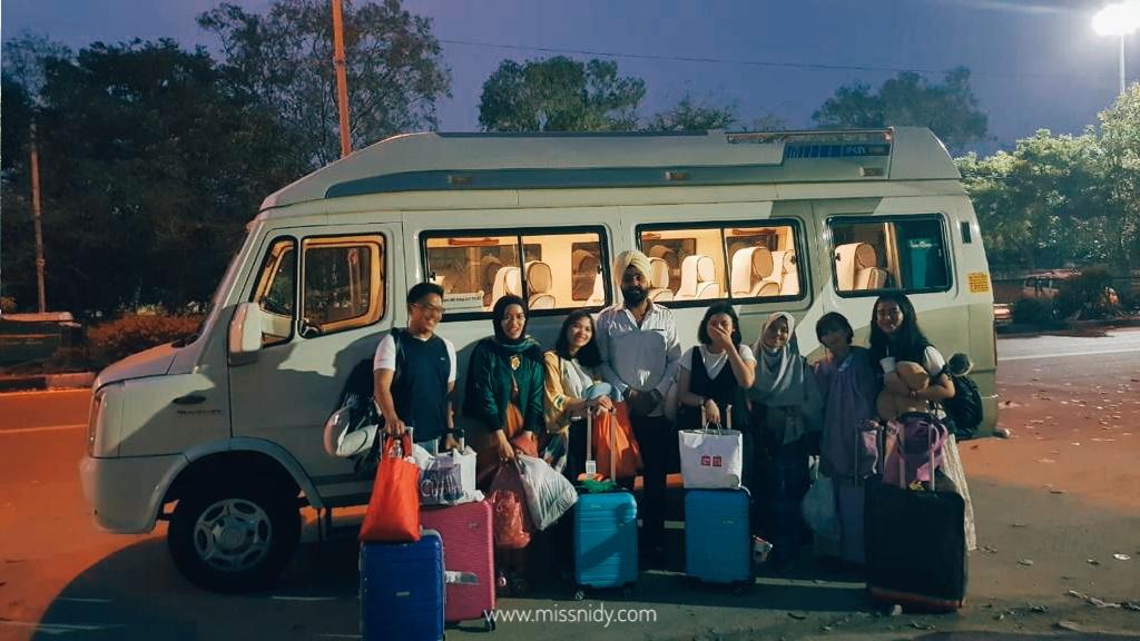pengalaman sewa mobil plus supir di india