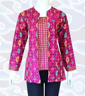 Model baju batik modern warna pink untuk kerja