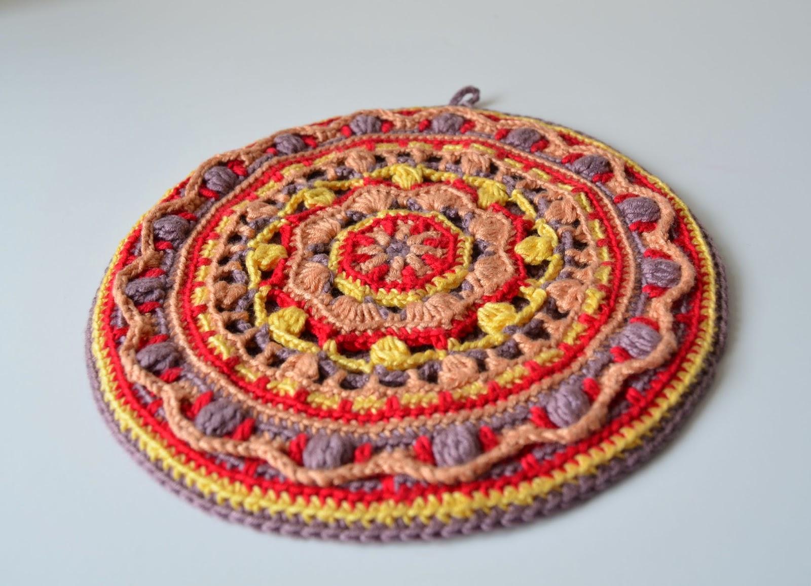 Mandala Potholder | LillaBjörn\'s Crochet World
