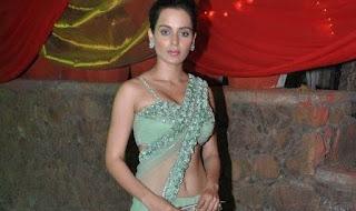 Kangana-Ranaut-sexy-saree-photo