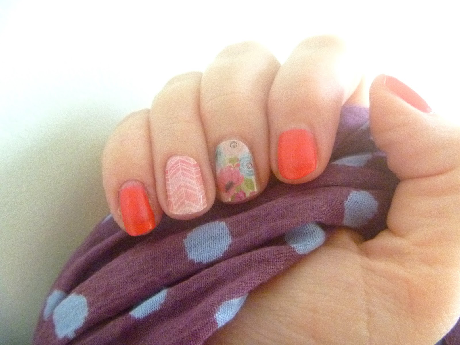 Lily Leaf Nails