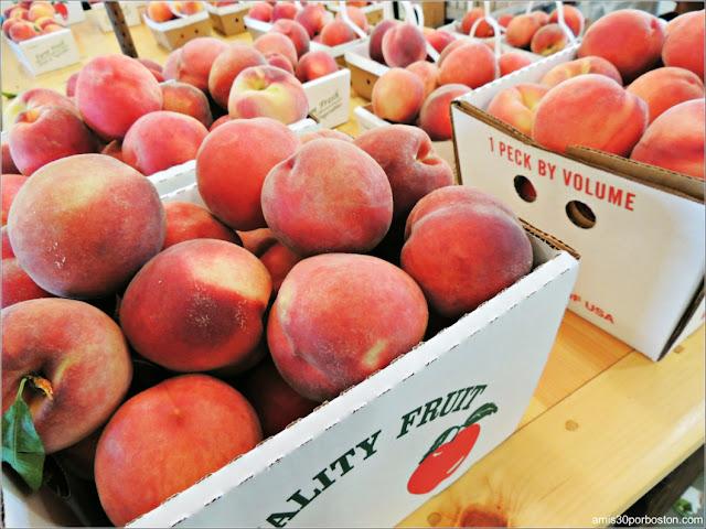 Applecrest Farm Market: Melocotones