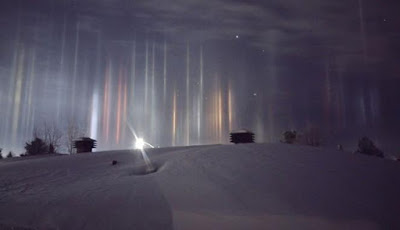Misterius, Pilar Cahaya Spektakuler Muncul di Kanada