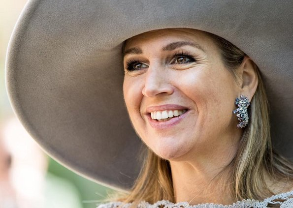 Today is May 17 and Queen Máxima of the Netherlands celebrates her 46th birthday. Princess Catharina-Amalia, Princess Alexia and Princess Ariane