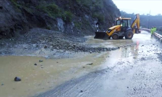 Huaico en Santa Cruz de Cocachara afecta viviendas y carretera Central