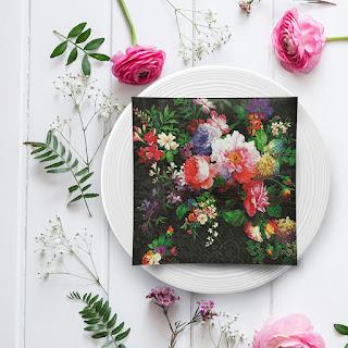https://www.pinkdrink.pl/sklep,106,12805,serwetki_papierowe_dark_flowers_33x33cm_20szt.htm