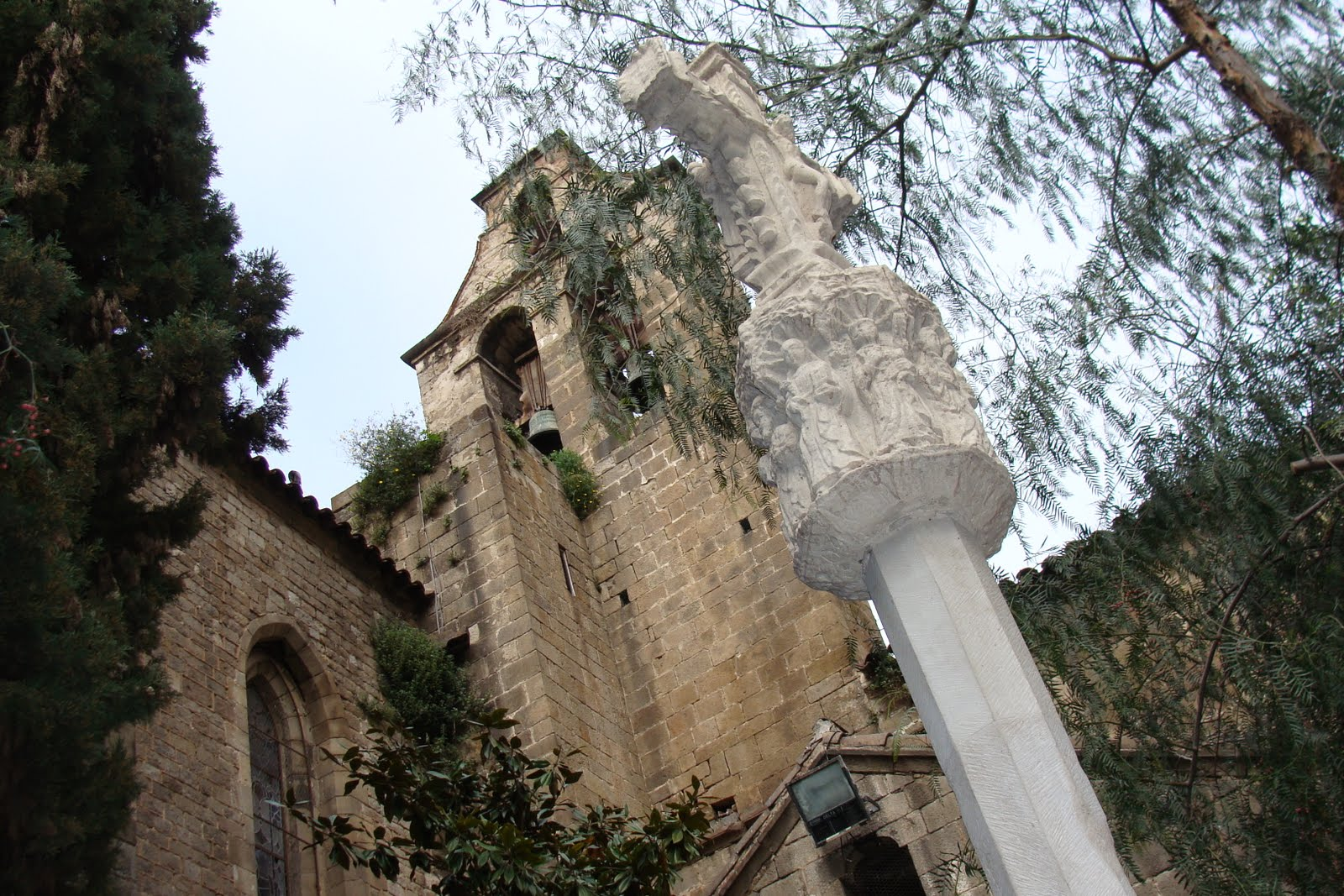 Creu de Terme d'Almatret, Barcelona, Santa Anna, Ramon Andreu