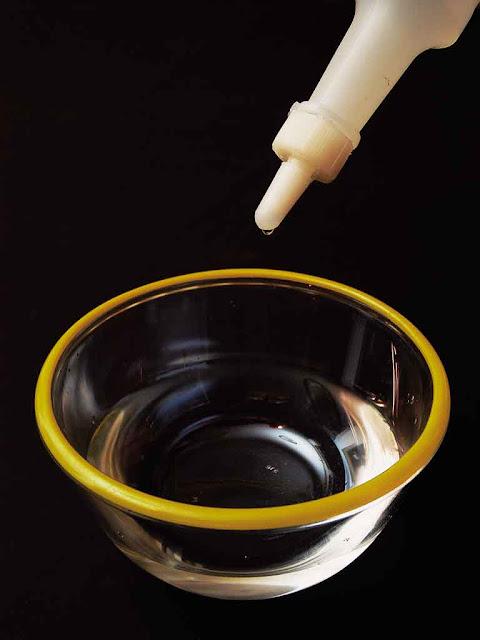 memanfaatkan cuka untuk menghilangkan bau asap rokok