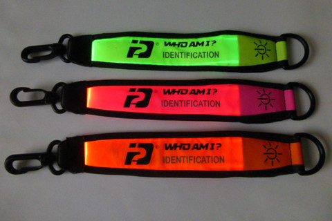 Who Am I bracelets identification lumineux sport