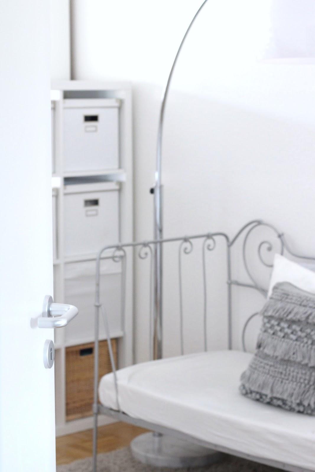 interior small living room sparkly inspiration. Black Bedroom Furniture Sets. Home Design Ideas