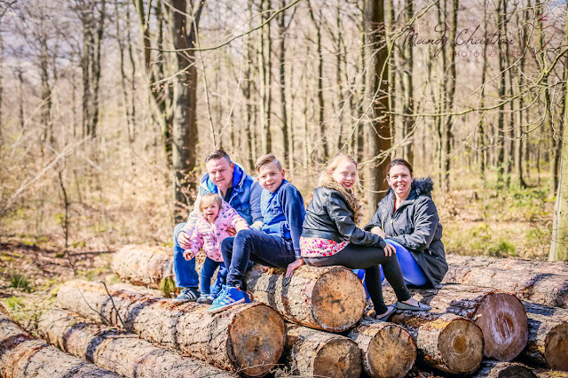 family photo shoot in Chopwell Wood with Mandy Charlton Photography, newcastle photographer