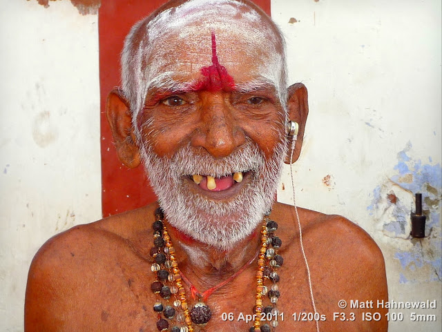 close up, street portrait, headshot, people, Tiruchendur, India, Tamil Nadu, sadhu, religious ascetic, holy man, temple, moksa, yoga, renunciation, Hinduism