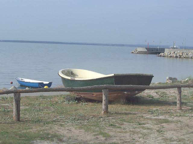 łodzie rybackie na brzegu, Kuźnica, mierzeja Helska