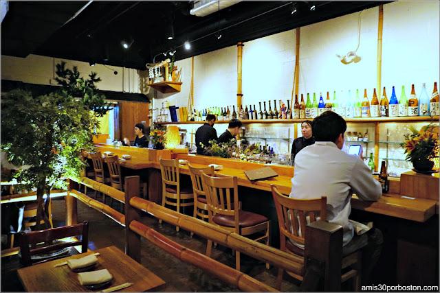 Barra del Restaurante Japonés Sakagura en Nueva York