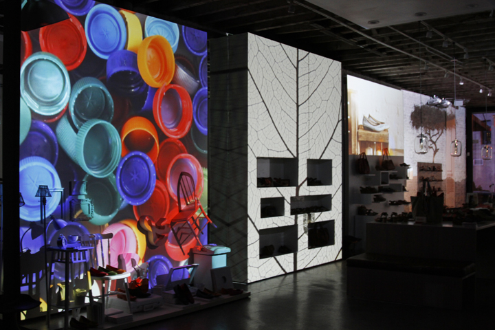 d25555d2 Laia Cabrera & Co.: PIKOLINOS POP UP STORE IN NYC, a 2-floor video ...