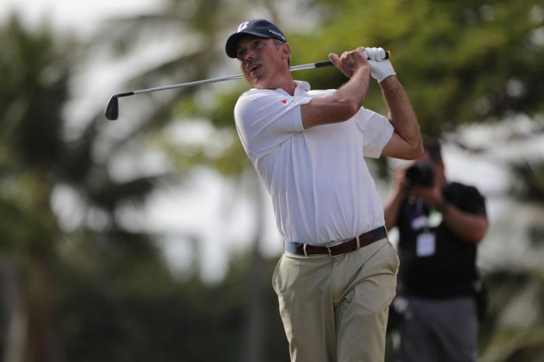 522dccde In addition to the Tour B X ball, Kuchar relied on the following Bridgestone  ...