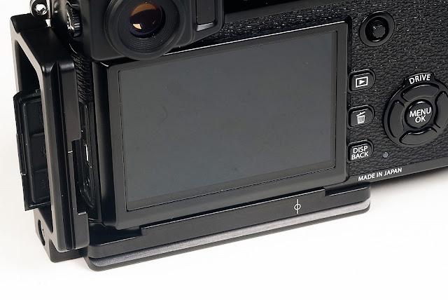 Fujifilm X-Pro2 w/ Hejnar Photo X-PRO2 L bracket rear view