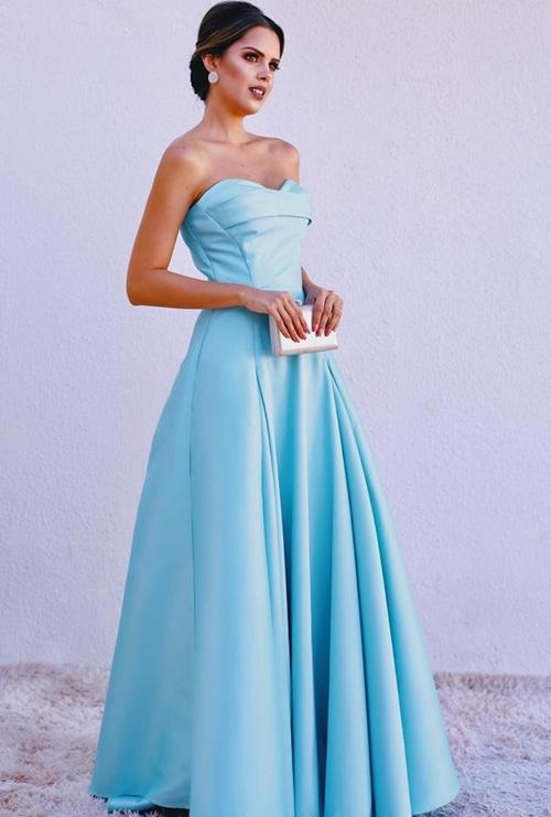 vestido  azul claro longo princesa