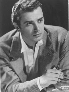 Franco Corelli's movie star looks added to the quality of his voice