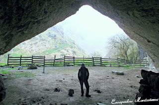 Interior-Cueva-Arpea-Selva-Irati