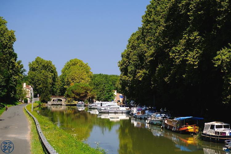 Le Chameau Bleu - Blog Voyage à Vélo Canal de l'entre deux mers - Canal des deux mers au mas d'agenais - Lot et Garonne - France