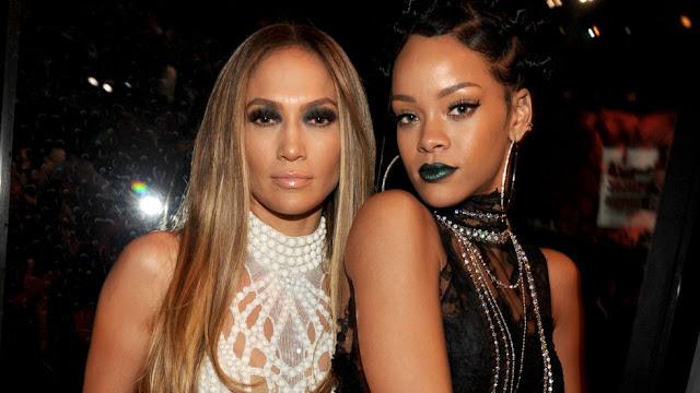 Rihanna le regaló a Jennifer Lopez un par de zapatos