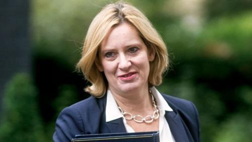 استقالة وزير «الداخلية البريطانية» بسبب فضيحة المهاجرين