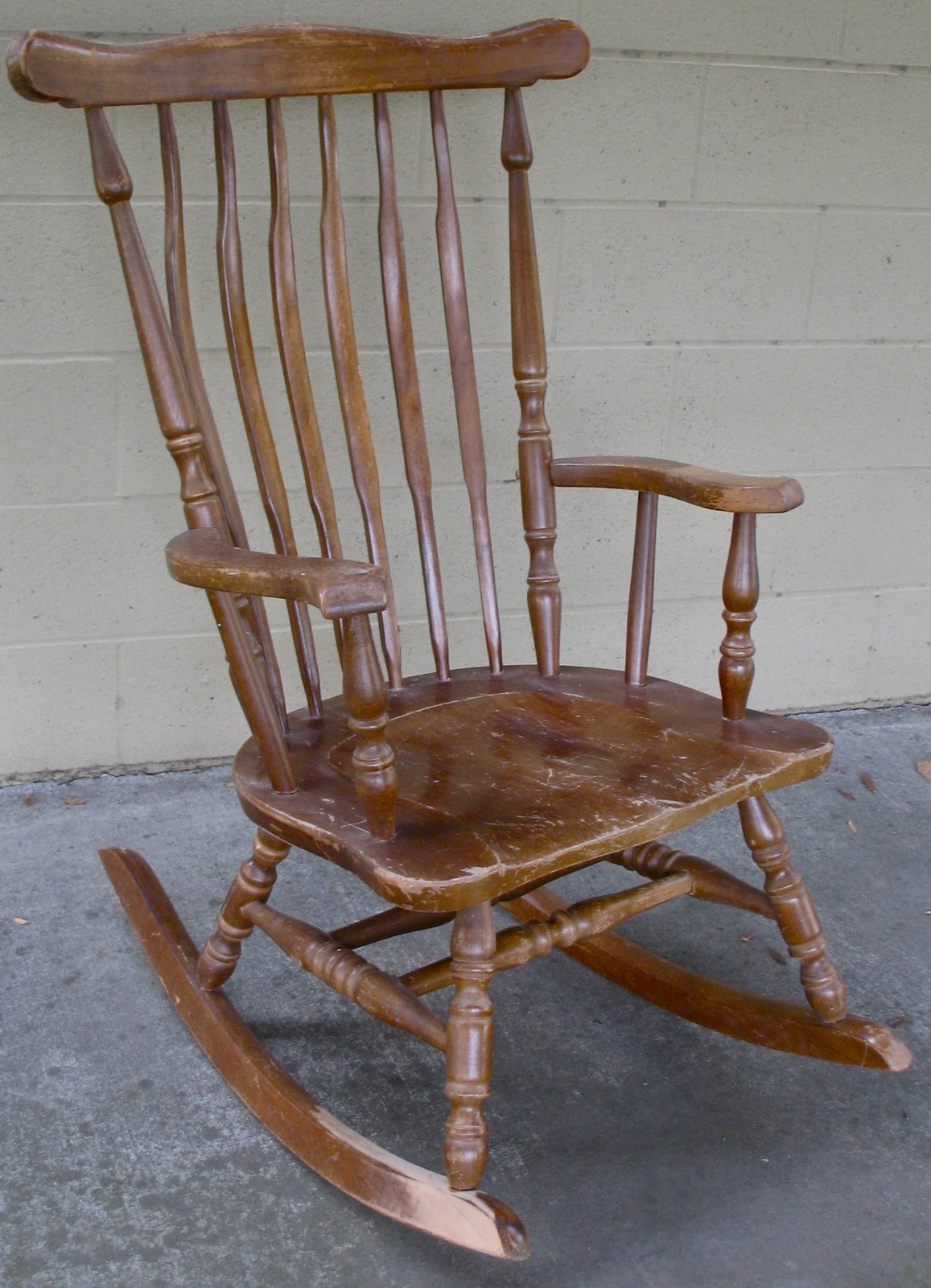 Custom Rocking Chairs The Craftsman Custom Finish For A Classic Rocking Chair