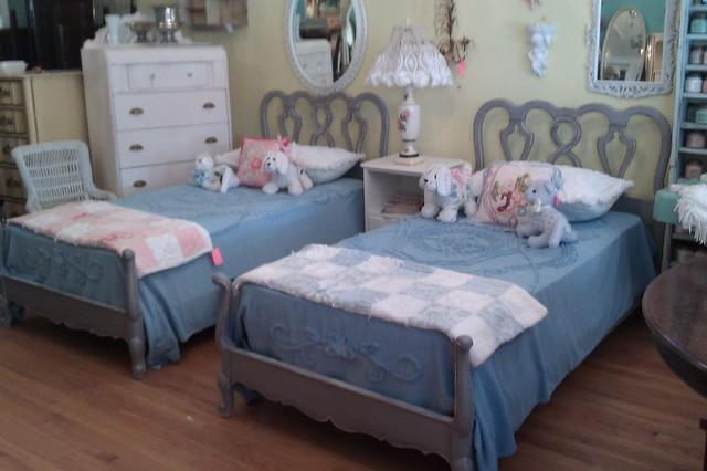vintage twin bedroom furniture sets design ideas