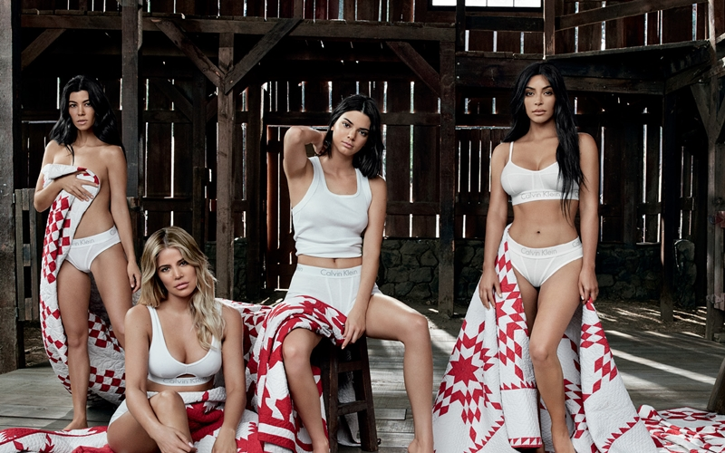 Kardashian Ailesi Aynı Kampanyada