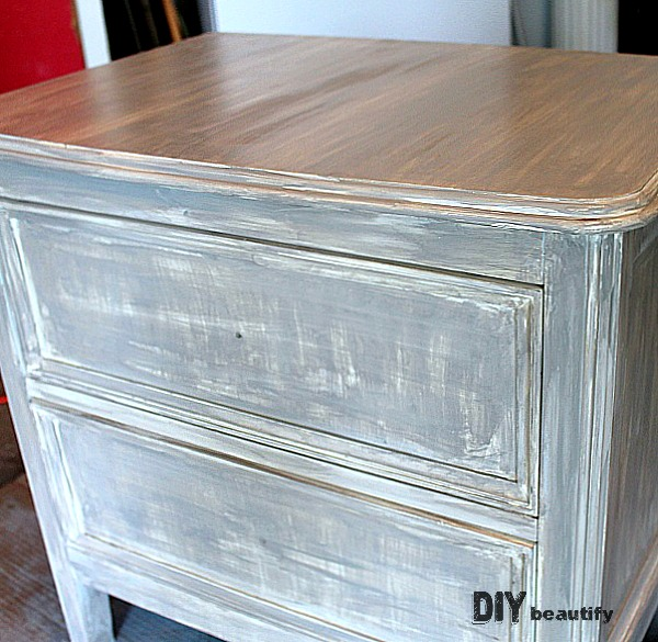 DIY driftwood finish using paint